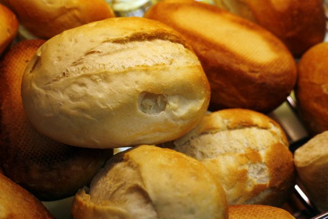 North German court rules bread rolls and coffee don't constitute breakfast: report