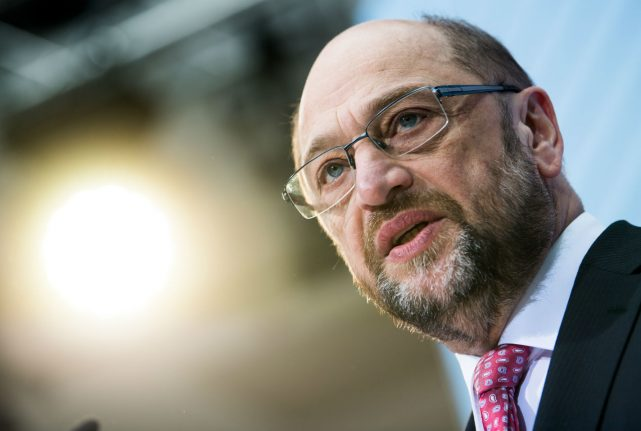 Germany's SPD says ready for talks to end political crisis