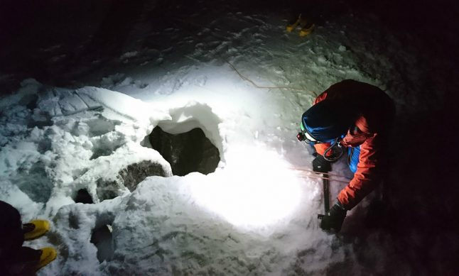 German hiker dramatically rescued after 5-day ordeal in Alpine rock crevice