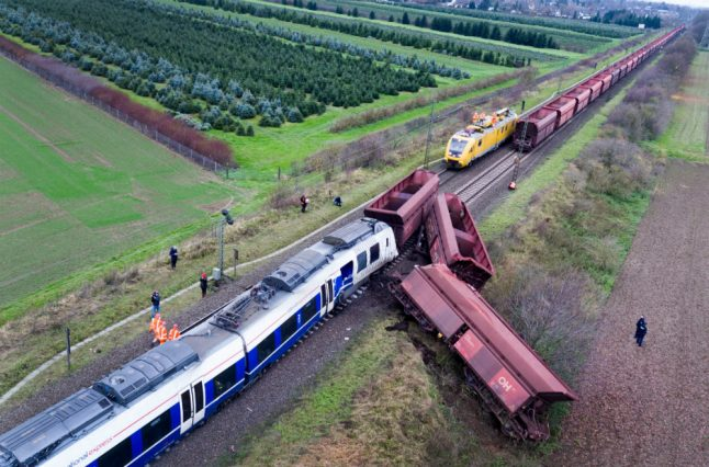 Search for answers starts after 41 injured in train crash near Düsseldorf