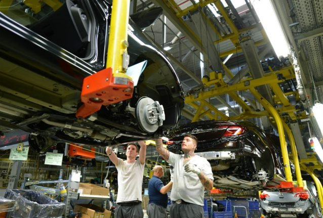 Hard Brexit 'could cost 14,000 jobs' at German car suppliers