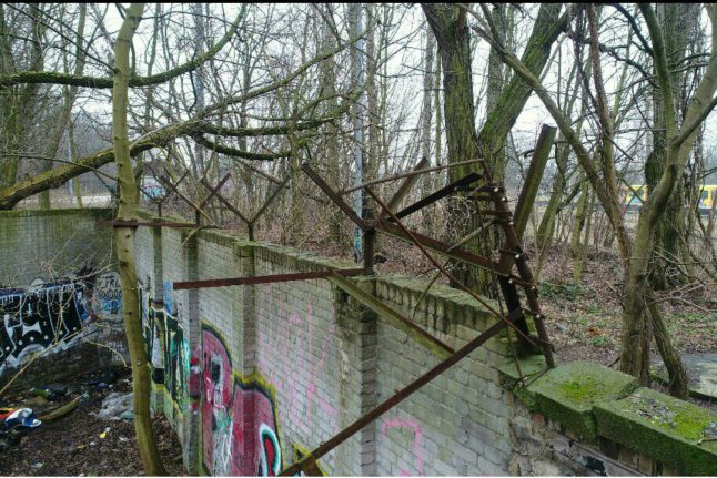 Local historian discovers forgotten 80-metre section of Berlin Wall in woods