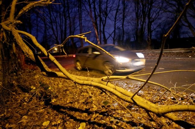 Storm 'Burglind' sees wind gusts and rain sweep over much of Germany