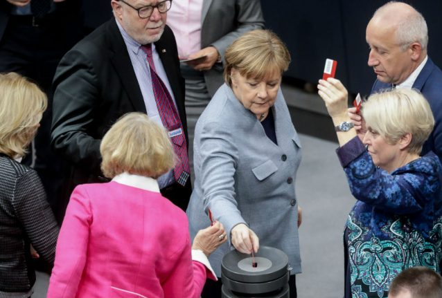 Bundestag votes to sharply cap refugee family reunions