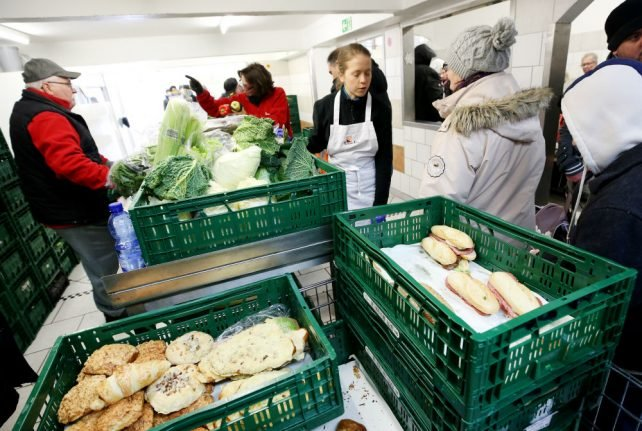 Food charity in Essen reverses decision to ban new migrant clients