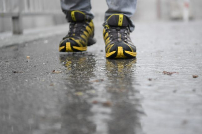 Berlin's emergency services warn of danger of icy roads and pavements