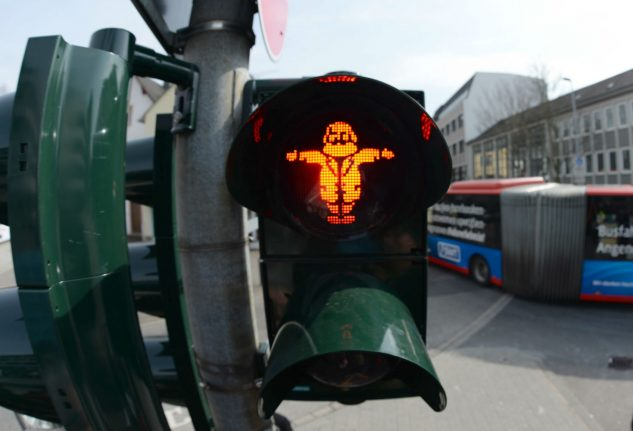 Walkers of the world unite: Marx traffic light installed in his hometown