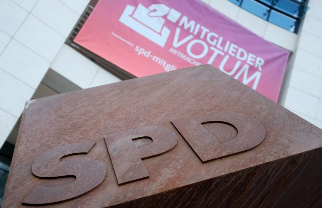 SPD leaders expect to clear coalition deal hurdle with Merkel's conservatives