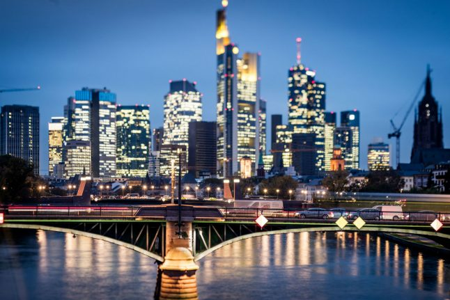 'Sizeable moves' of London banks to Frankfurt expected to begin in April