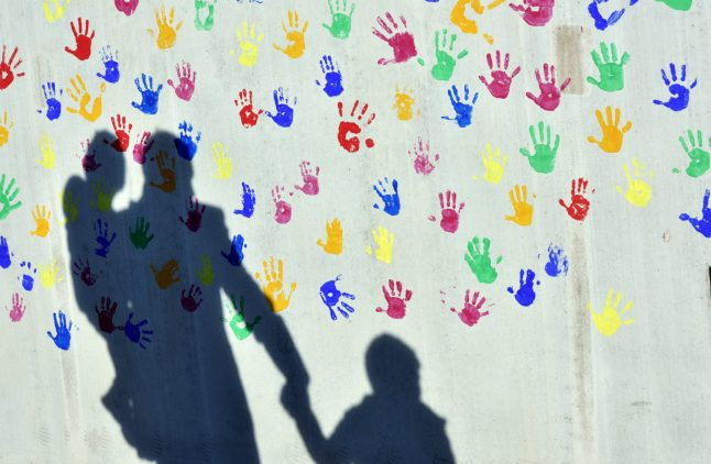 Almost every seventh child in German is dependent on welfare funds