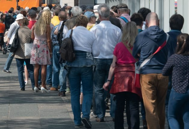 Hundreds queue across Germany for new special edition five-euro coin