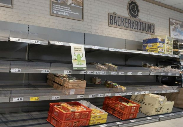 Bee-n and gone: Hanover supermarket warns customers of bee-less world