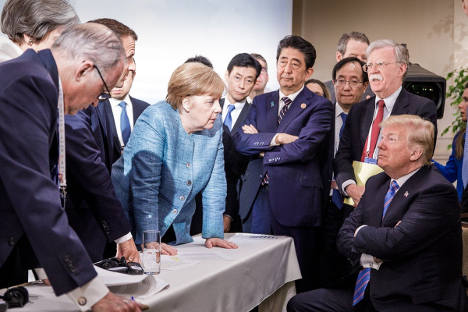 Does this picture show that Merkel is now leader of the free world?