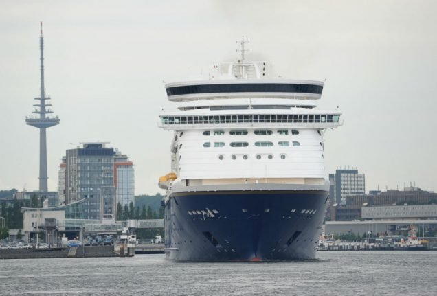 German boy racks up over €12,000 in roaming charges on cruise ship