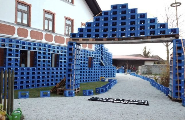 Over 30,000 deposit bottles given to Bavarian couple as wedding gift