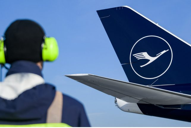 Lufthansa shares soar on better than expected profits