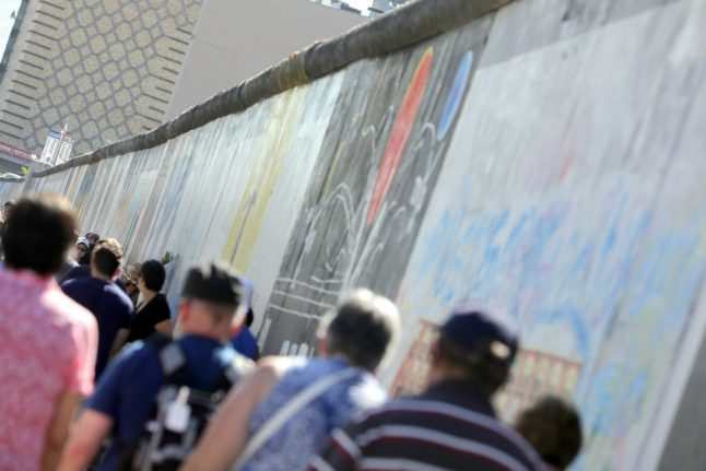 Interactive Russian film project to rebuild Berlin Wall in city centre