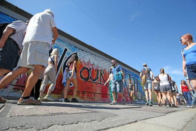 Plans to rebuild Berlin Wall for art project blocked