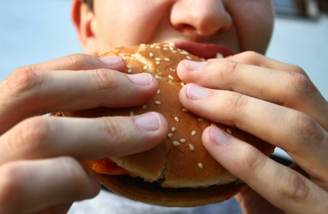 Aachen police find €25,000 worth of heroin disguised as fast food meal