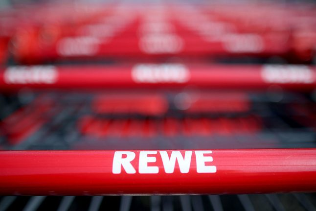Bavarian woman mysteriously receives €8 billion debt from Rewe in online banking app