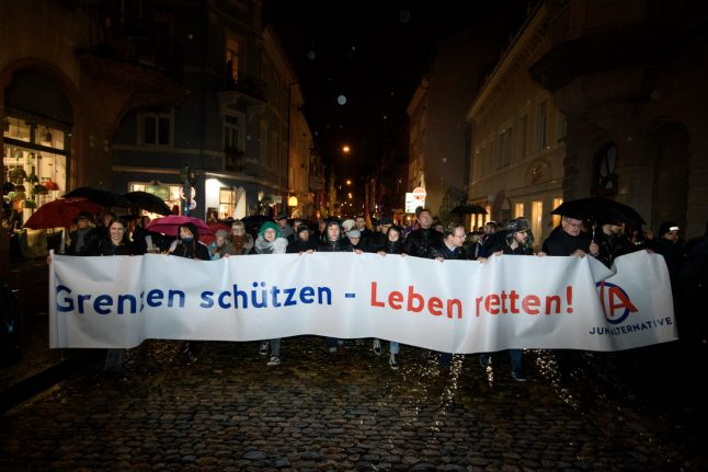 Germany considers expelling convicted Syrians