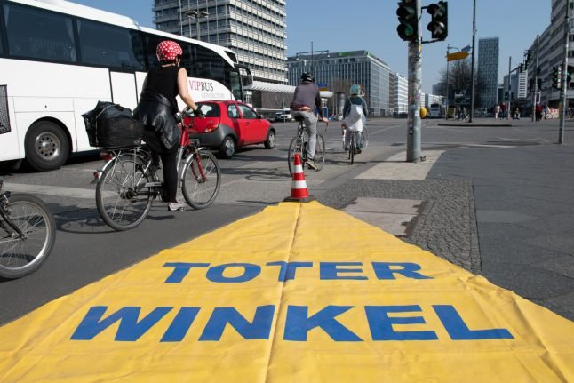 Lower Saxony rolls out warning system to prevent trucks hitting cyclists
