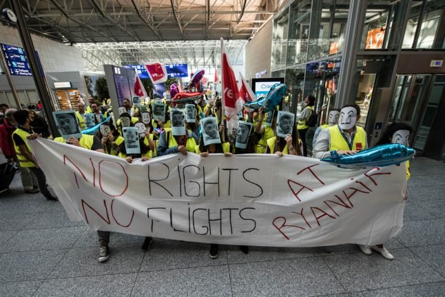 'A step towards improved conditions': Ryanair strikes deal with German cabin crew union