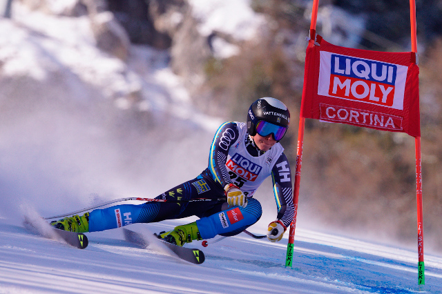 Swedish skiers save German's life after sudden heart attack