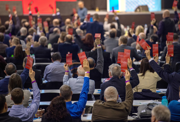 Far-right AfD to campaign on German EU exit