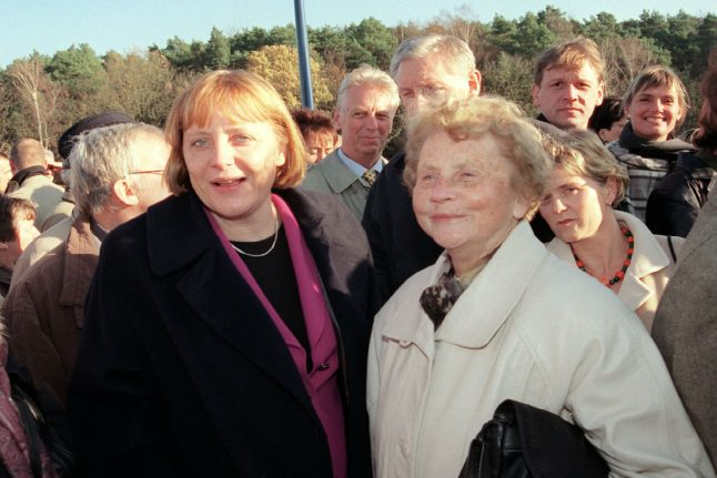 Heartache for Merkel after her mother dies at the age of 90