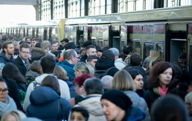 IN IMAGES: Who is affected by the public transport strike?
