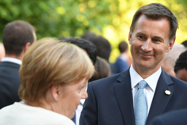 Did Angela Merkel really tell Jeremy Hunt she would be open to renegotiating Brexit deal?