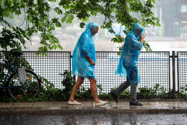 Stormy weather in Germany moves eastwards