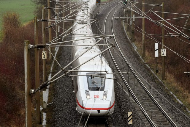 Deutsche Bahn to stop using cancer-linked pesticide on its tracks