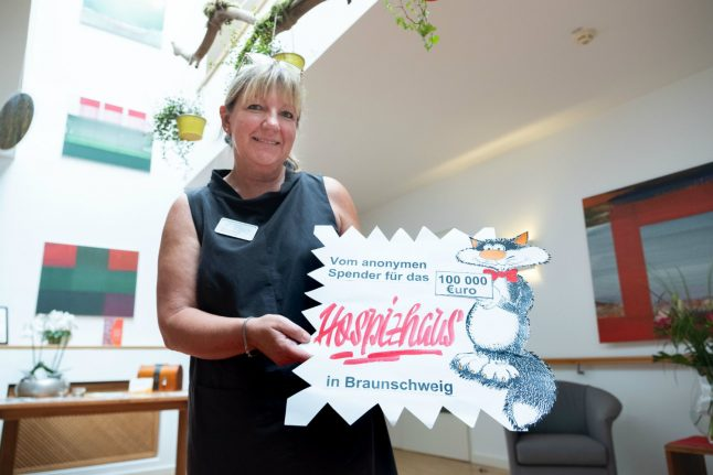 German hospice receives 'lucky bag' with €100,000 from secret donor