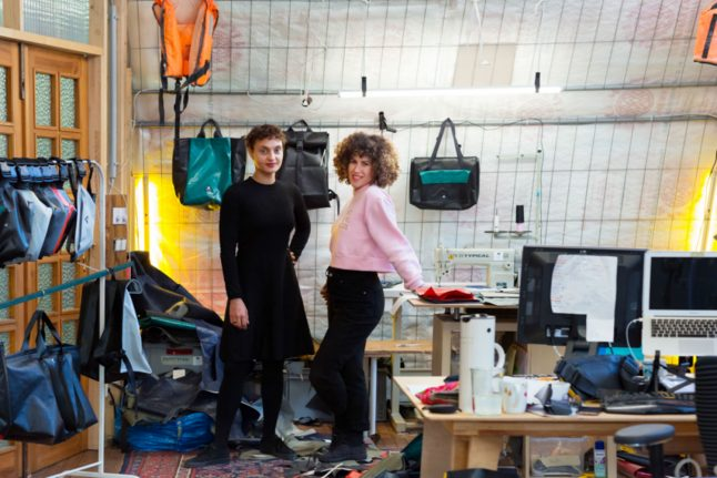 Recycled fashion: Refugee boats find second life as bags in Berlin