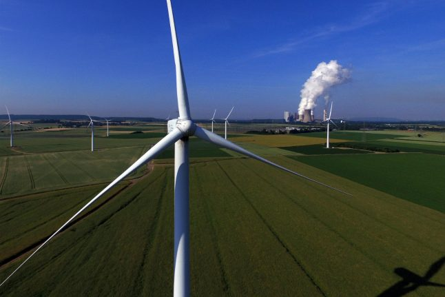 Crisis summit: German government vows to take action on wind energy