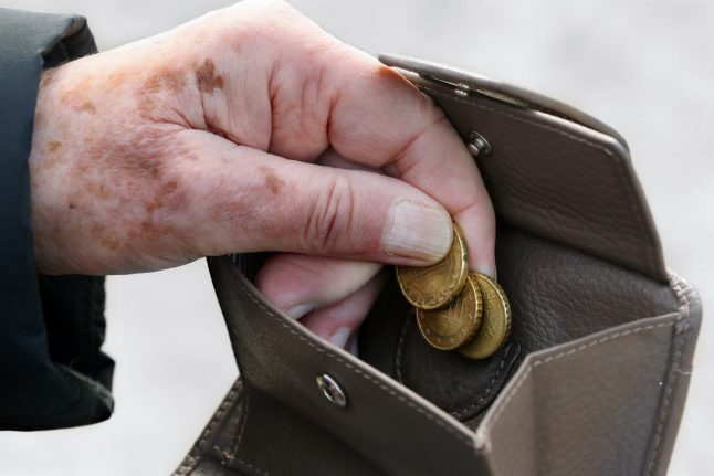Old-age poverty in Germany 'set to rise significantly'