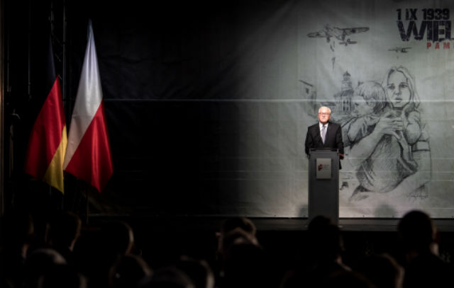'I bow my head and ask for forgiveness': German President in Poland