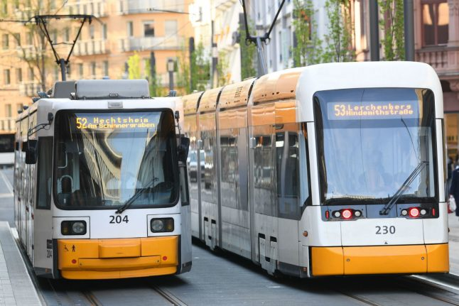 Call for €1 per day annual public transport ticket throughout Germany