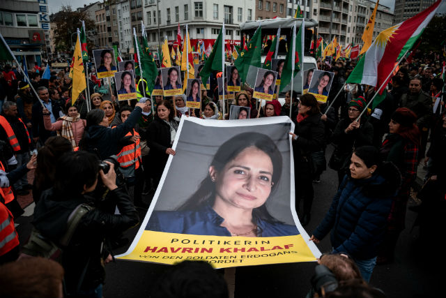'Sitting on a powderkeg': Tension between Germany's Turks and Kurds