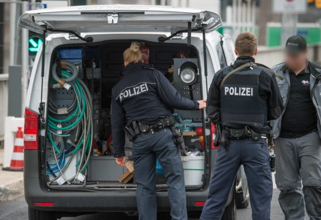 German woman suspected of IS ties arrested after deportation from Turkey