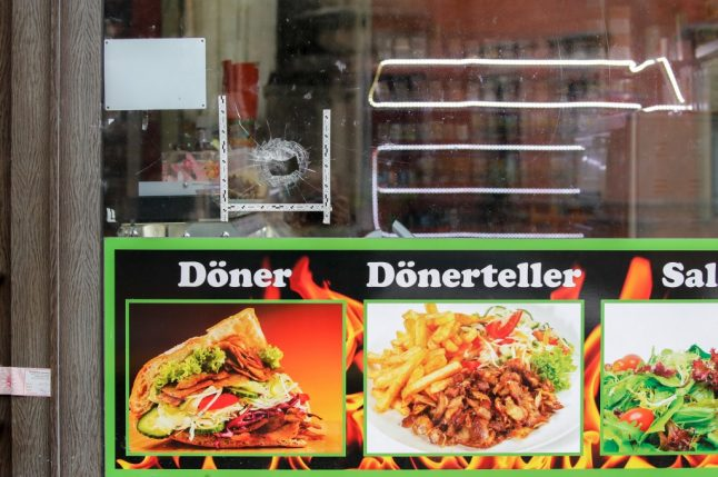After deadly attack in Halle, owner gifts kebab shop to survivors