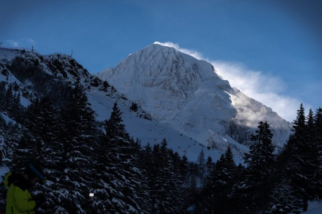 Two German girls among three killed in Italy avalanche