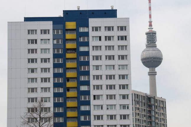 Berlin rent freeze: 340,000 tenants 'paying too much' for housing