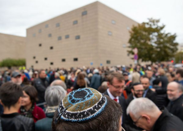 Germany fears 'mass exit' of Jews if hatred persists