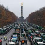 Traffic chaos hits German cities as farmers stage tractor protest