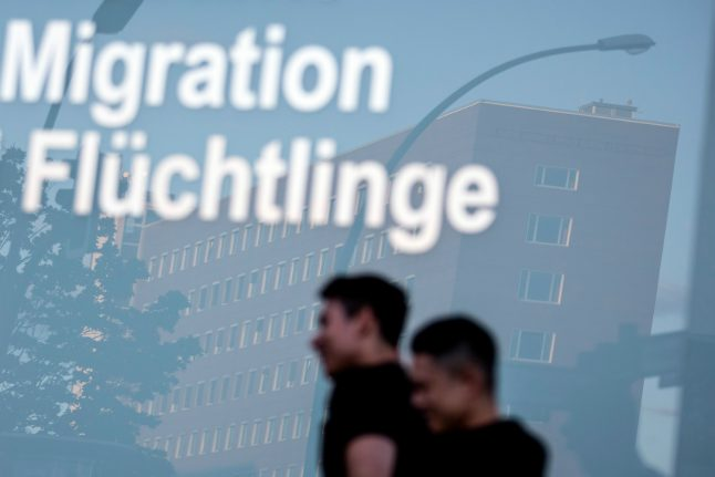 Germany sees 14 percent drop in asylum claims