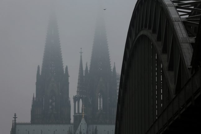 Discovery of US WWII bomb in Cologne disrupts train services