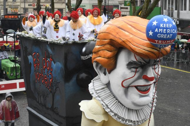 IN PICS: Trump, Brexit and AfD all targeted at Düsseldorf's Rosenmontag parade